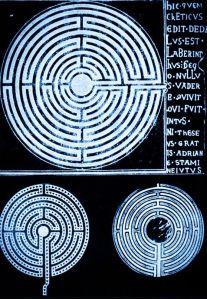 labirinto-iscrizione-colorata